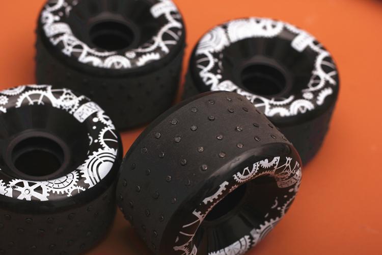 искрящие колёса с кремнями для скейта и лонборда